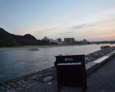 鵜飼ロードからの長良川鵜飼の風景