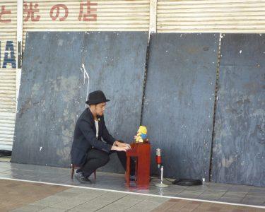 円頓寺商店街で、あいちトリエンナーレ関連のイベントに参加